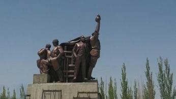 新疆圆雕1