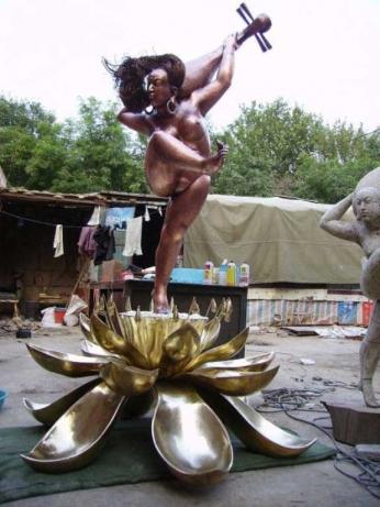新疆圆雕9